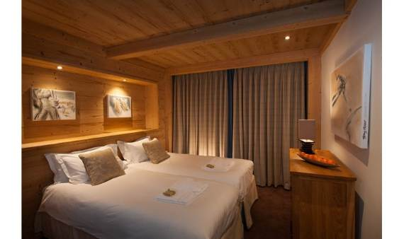 the-unique-luxury-experience-of-the-french-alp-chalet-lugano-suite-9