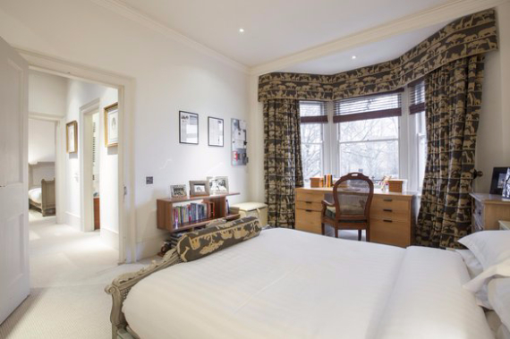 An Elegant and Spacious Apartment  in Chiswick London (17)