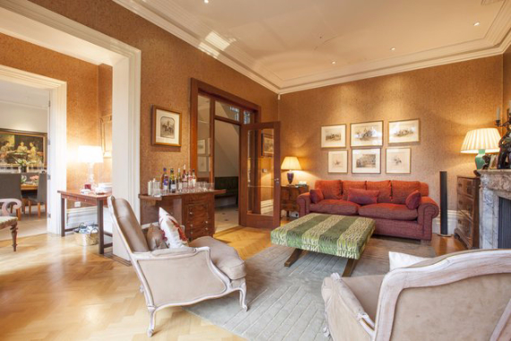 An Elegant and Spacious Apartment  in Chiswick London (24)