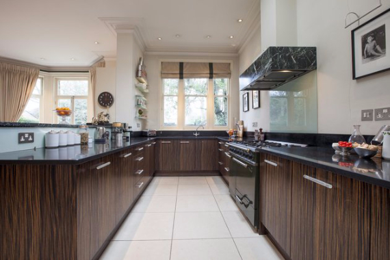 An Elegant and Spacious Apartment  in Chiswick London (3)