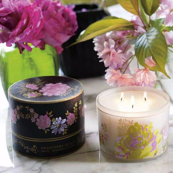 Decorative-Candles-and-Flowers-Cute-Mothers-Day-Gift-Ideas-10