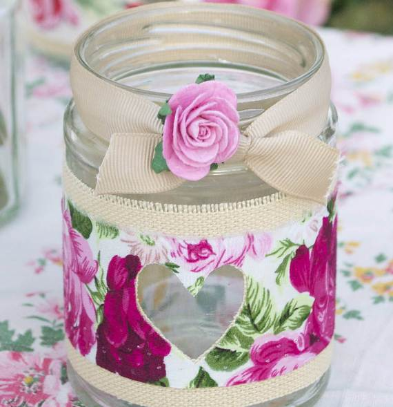 Decorative-Candles-and-Flowers-Cute-Mothers-Day-Gift-Ideas-16