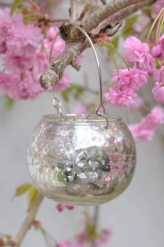 Decorative-Candles-and-Flowers-Cute-Mothers-Day-Gift-Ideas-21