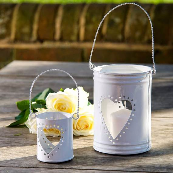 Decorative-Candles-and-Flowers-Cute-Mothers-Day-Gift-Ideas-29