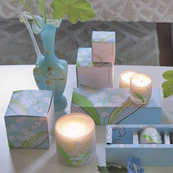 Decorative-Candles-and-Flowers-Cute-Mothers-Day-Gift-Ideas-4