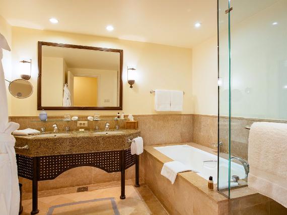 Deluxe Family Suite, Four Seasons Resort Sharm El Sheikh (16)