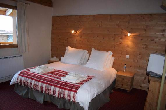 friendly-ski-retreat-in-the-french-alps-chalet-lagopede-4