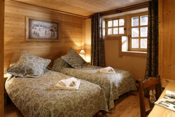 les-trois-coeurs-exceptional-meribels-ski-chalet-in-the-french-alps-7
