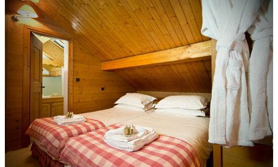 luxury-chalet-l%e2%80%b2ardour-family-holiday-skiing-meribel-france-3
