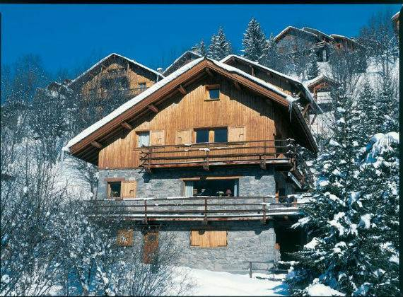luxury-chalet-l%e2%80%b2ardour-family-holiday-skiing-meribel-france-7