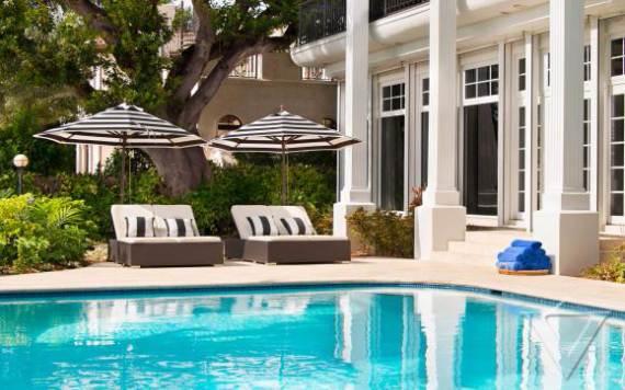 villa-denise-a-summer-waterfront-relaxing-villa-miami-3