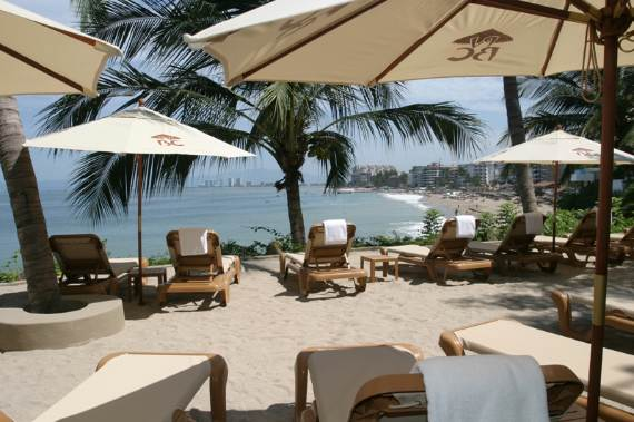 beach-club-villa-a-tropical-paradise-vacation-in-mexico-13
