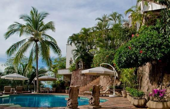 casa-serena-stunning-beachfront-villa-near-four-seasons-21