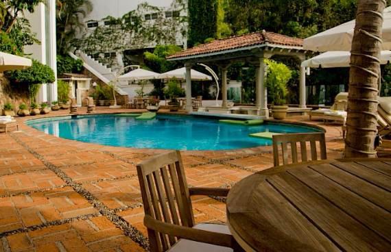 casa-serena-stunning-beachfront-villa-near-four-seasons-23