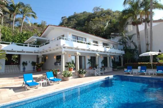 casual-luxury-exuded-by-spacious-villa-in-puerto-vallarta-casa-salinas-i-52