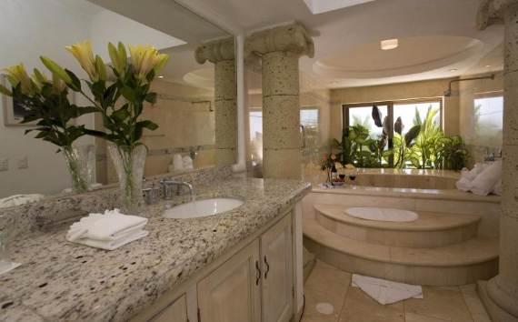 casual-luxury-exuded-by-spacious-villa-in-puerto-vallarta-casa-salinas-i-8