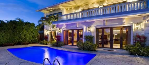 classy-and-elegant-miami-beach-villa-san-michele-4