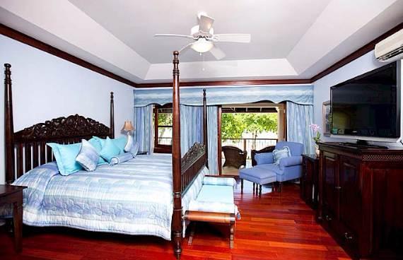 delightful-malatai-villa-displaying-an-elegant-caribbean-sea-view-11