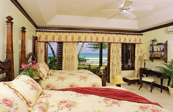 delightful-malatai-villa-displaying-an-elegant-caribbean-sea-view-15