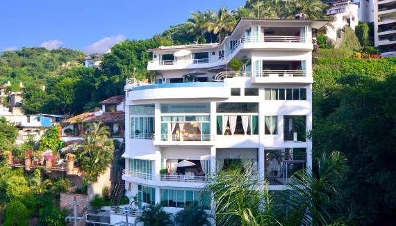 ideal-summer-get-away-chic-casa-yvonneka-villa-in-puerto-vallarta-mexico-20