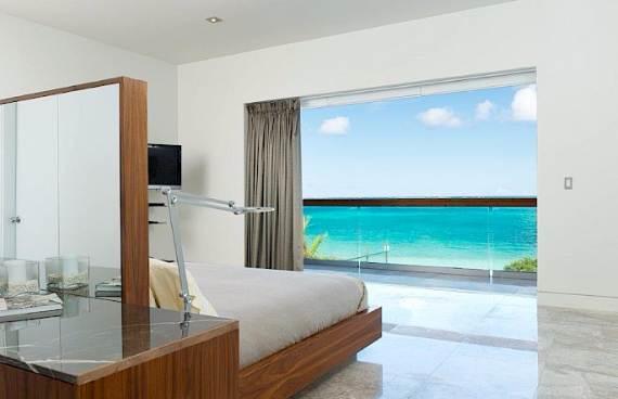 oceanfront-residence-evoking-fortress-like-grandeur-bella-vita-villa-8