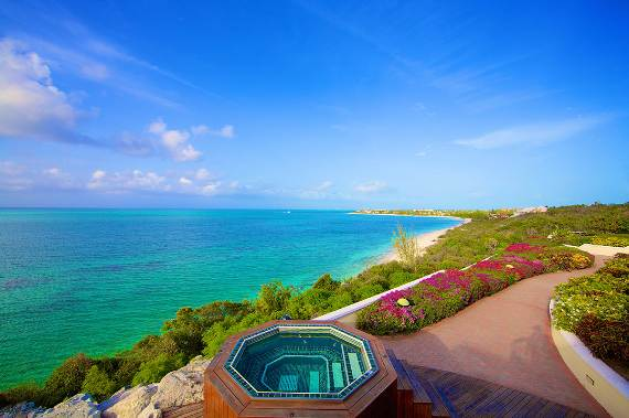 opulent-holiday-retreat-overlooking-the-caribbean-stargazer-villa-turks-and-caicos-islands-23