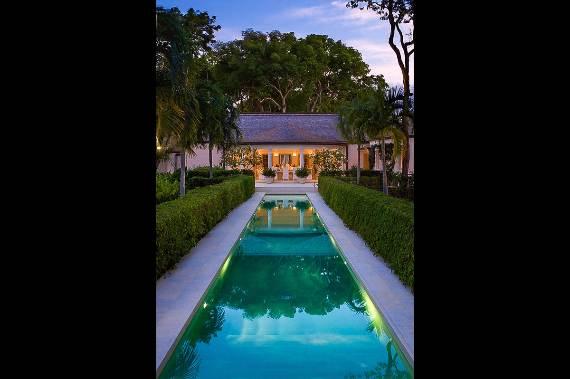 pink-cottage-exclusive-beachfront-garden-villa-rental-in-barbados-8