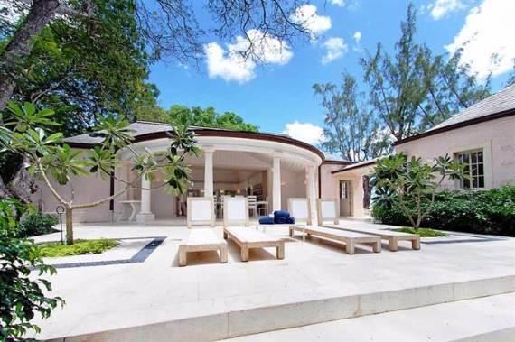 pink-cottage-exclusive-beachfront-garden-villa-rental-in-barbados-9