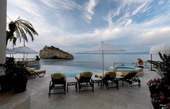 quiet-retreat-with-an-impressive-design-in-mexico-villa-paraiso-24