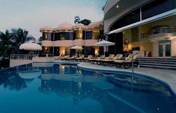quiet-retreat-with-an-impressive-design-in-mexico-villa-paraiso-28