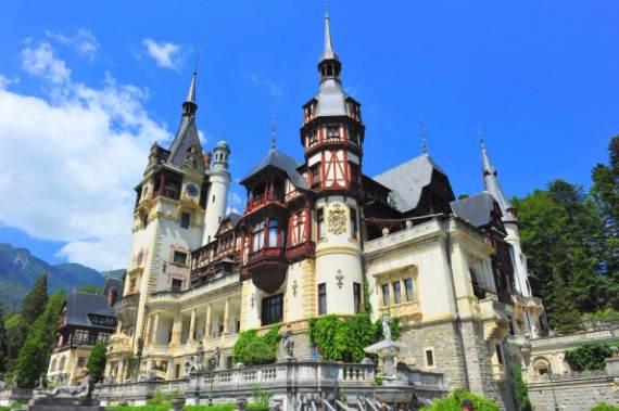 spectacular-peles-castle-in-romania-1