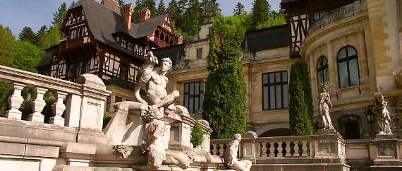 spectacular-peles-castle-in-romania-13