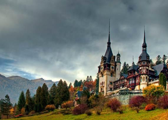 spectacular-peles-castle-in-romania-27