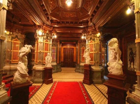 spectacular-peles-castle-in-romania-28