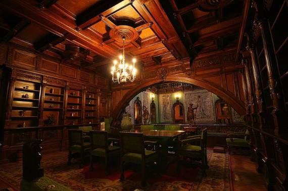 spectacular-peles-castle-in-romania-52