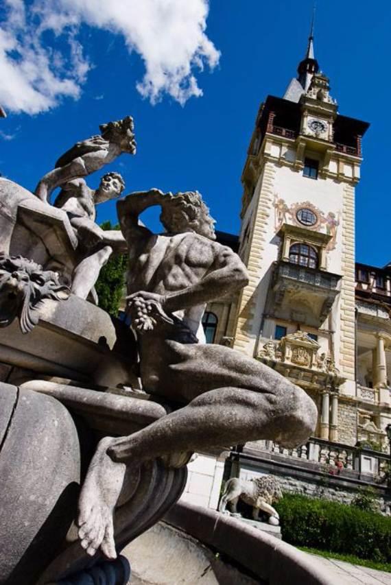 spectacular-peles-castle-in-romania-91