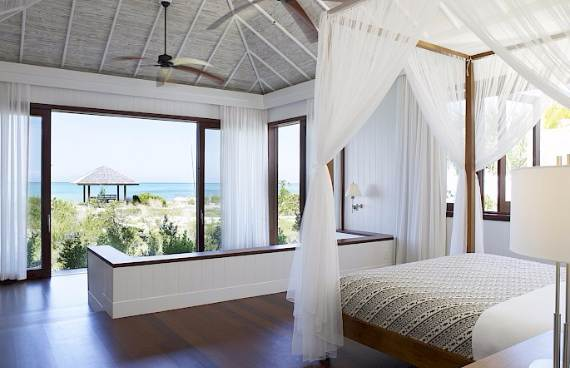 stunning-tamarind-villa-at-parrot-cay-of-turks-and-caicos-islands-4