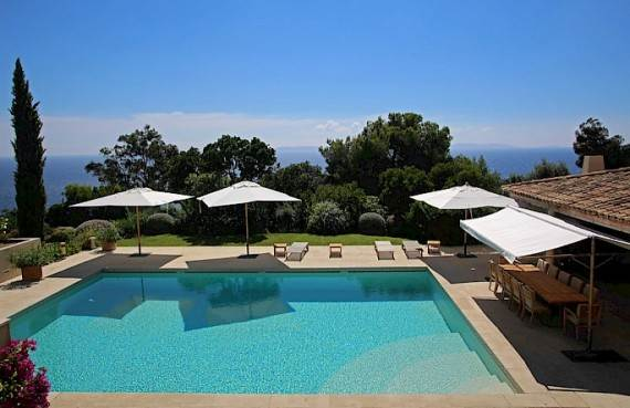 the-exclusive-cozy-breezy-villa-le-rayol-in-cote-dazur-saint-tropez-3