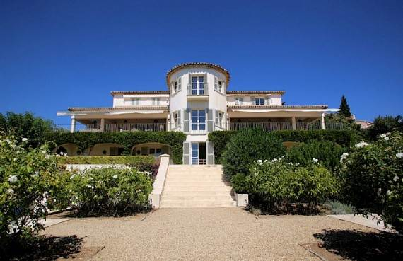 the-exclusive-cozy-breezy-villa-le-rayol-in-cote-dazur-saint-tropez-31