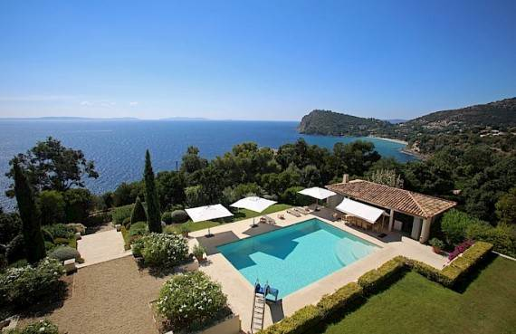 the-exclusive-cozy-breezy-villa-le-rayol-in-cote-dazur-saint-tropez-5