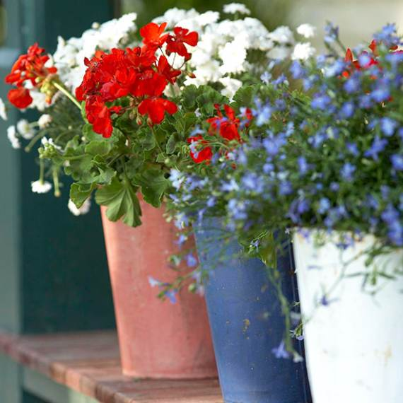 33-Front-Porch-Decorating-Ideas-for-the-4th-of-July-10