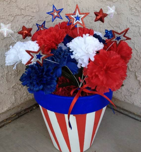 33-Front-Porch-Decorating-Ideas-for-the-4th-of-July-32