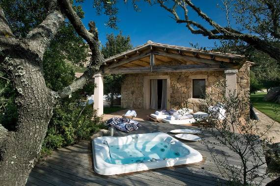 holiday-vibes-inspired-by-the-charming-lo-stazzo-country-house-in-sardinia-italy-7