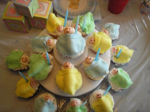 50-Baby-Shower-Cupcake-Cakes-in-Unique-Shape-33