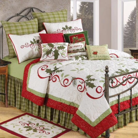 Elegant and Stylish Holiday Bedding Ideas For A Luxurious, Hotel-Like Bed (15)