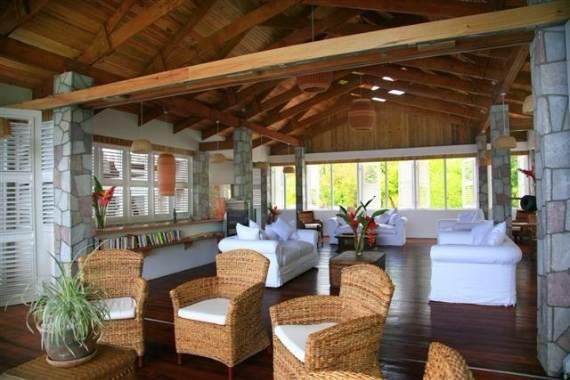 magnificent-villa-le-gallerie-exhibiting-the-best-location-on-saint-lucia-4