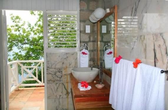 magnificent-villa-le-gallerie-exhibiting-the-best-location-on-saint-lucia-7
