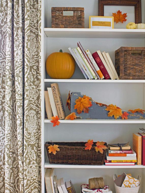 35 Warm & Friendly Fall Decorating Ideas (5)
