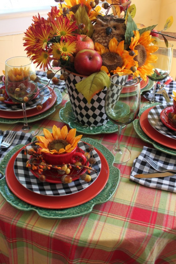 Warm and Inviting Thanksgiving Centerpiece Ideas  (1)