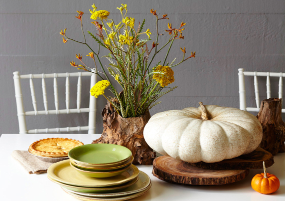 Warm and Inviting Thanksgiving Centerpiece Ideas  (18)